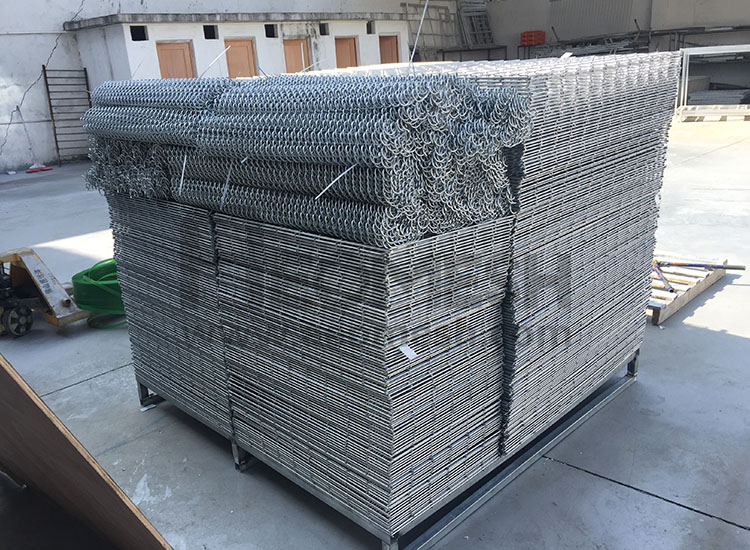 Customized welded gabion
